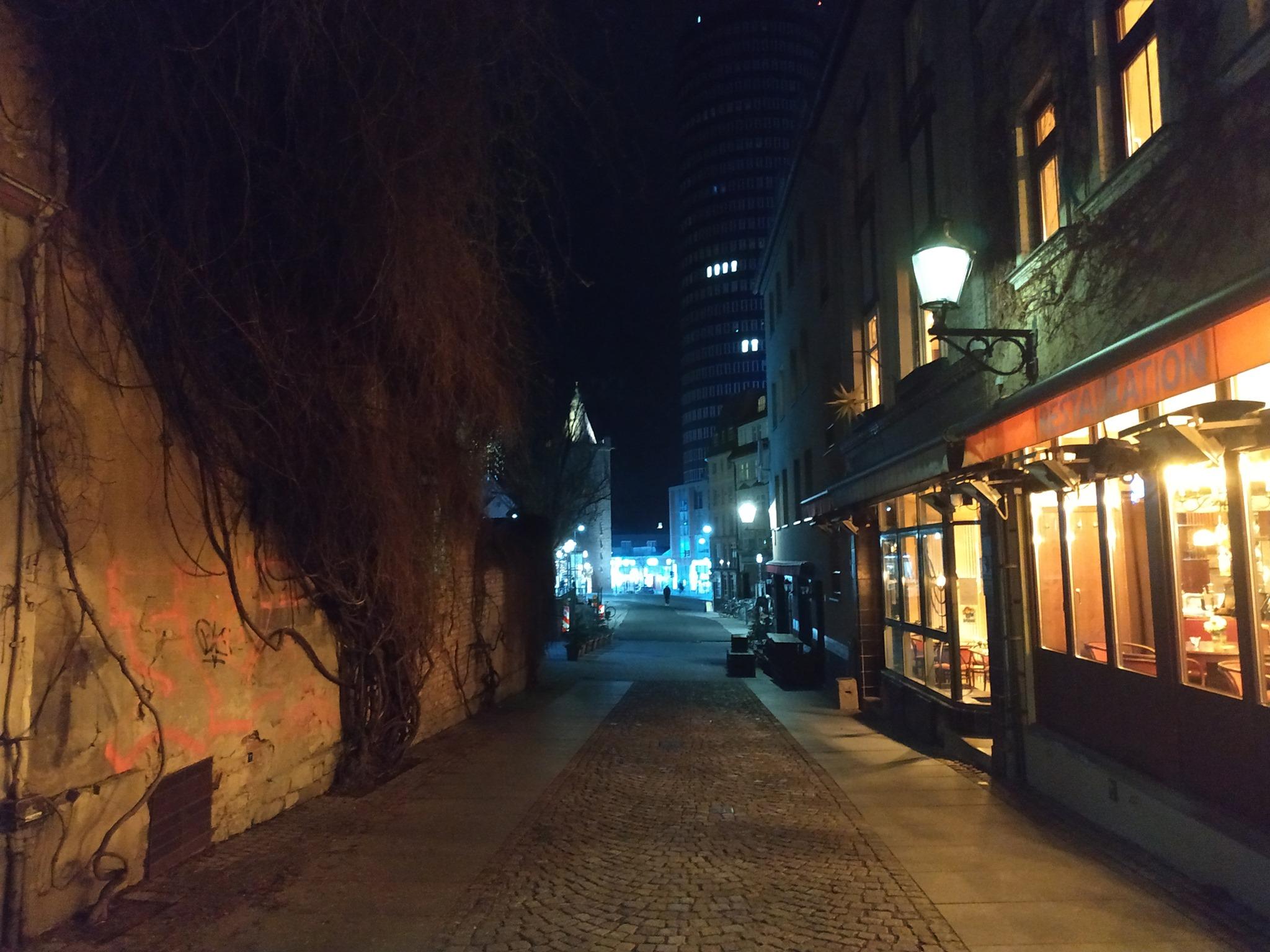 """Thüringen geht in einen harten """"Lockdown"""". Einzelhandel soll schließen."""