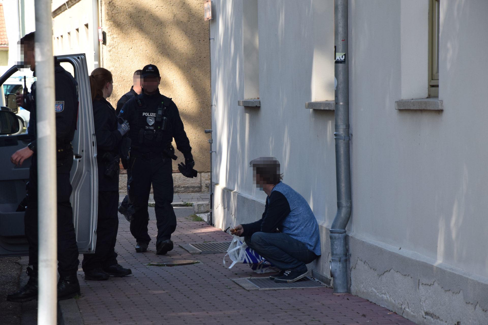 Jena: Polizei räumt besetzte Häuser – 5 Menschen betroffen