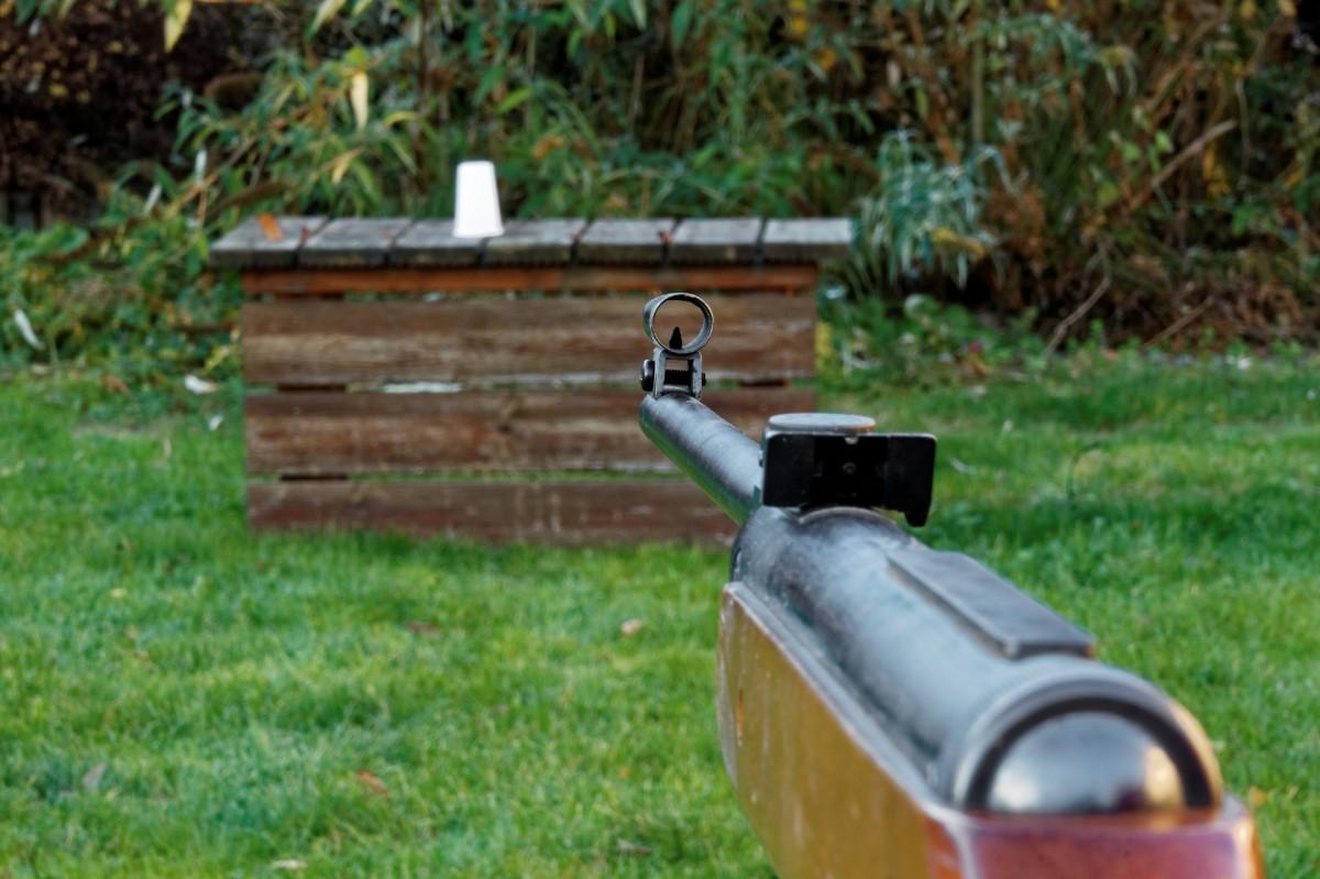 Schüsse mit Luftgewehr am Camsdorfer Ufer