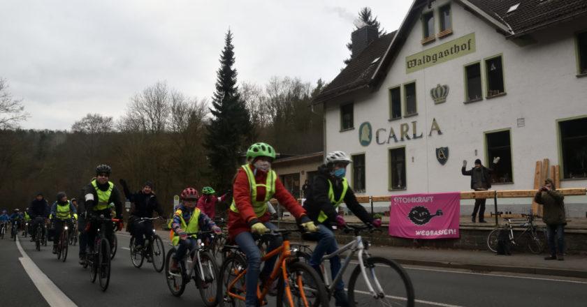 """""""Paris goes Brussels"""": Fahrrad-Demo von Dresden nach Brüssel fährt über die B7 nach Erfurt"""