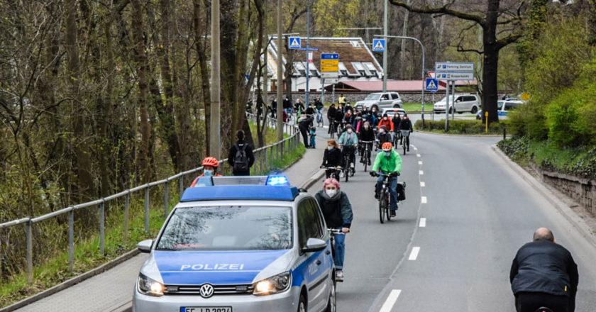 Fahrraddemo auf Stadtrodaer Straße