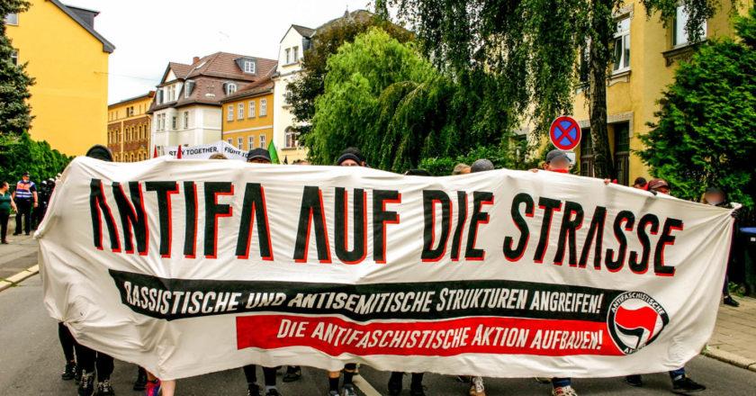 """""""Danke, Antifa!"""" – Der Schwur von Buchenwald lebt"""